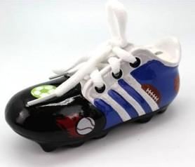 Hucha zapatilla de fútbol en color azul con cordones ideal como regalo o detalle para niños