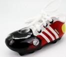 Hucha zapatilla de fútbol en color rojo con cordones ideal como regalo o detalle para niños