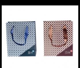 Bolsas de regalo con diseño a cuadros