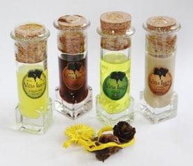Licores en original envase de chupito para los hombres invitados a la boda