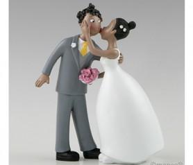 FIGURA PASTEL NOVIOS BESO para la tarta o como regalo para los siguientes en casarse