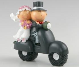 Figura de novios en moto para la tarta nupcial o como regalo para los siguientes en casarse
