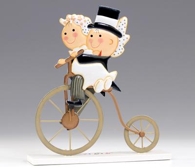 Figura novios pastel metal ciclo antiguo para decorar la tarta nupcial o como regalo para los siguientes amigos en casarse
