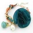 pulsera con flor y perlas en color azul
