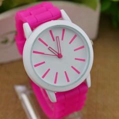reloj esférico para mujeres con correa en silicona de color fucsia