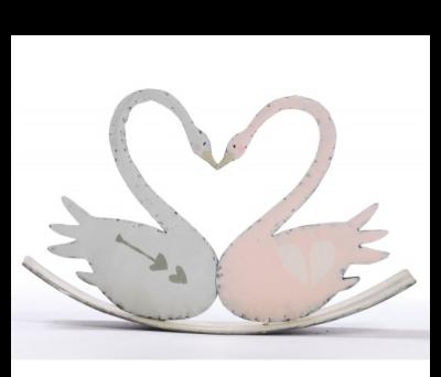 Pareja de cisnes en balancín como detalle especial en vuestra boda