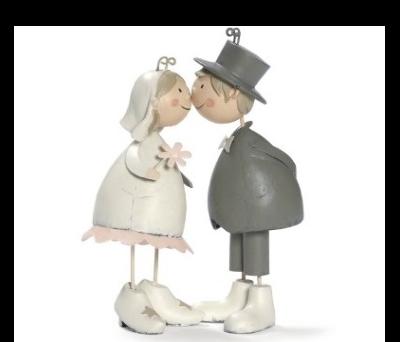pareja de novios beso