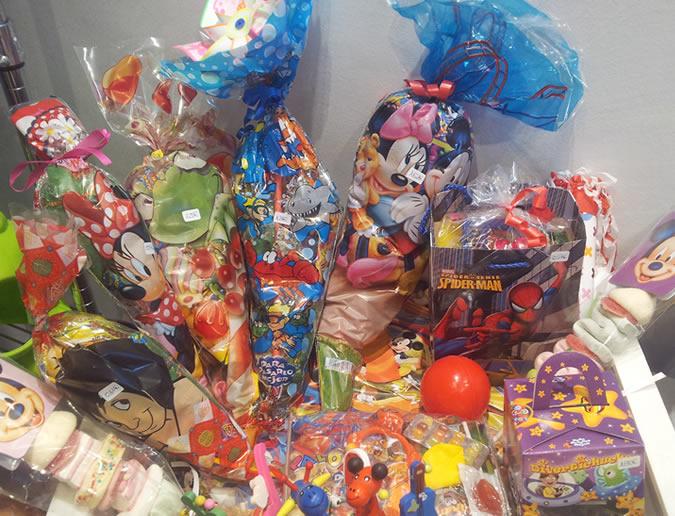 Bolsas de golosinas en la tienda de Detalles AnHa