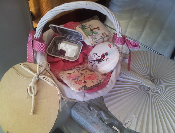 Expositor de detalles para invitados en la tienda de Detalles AnHa