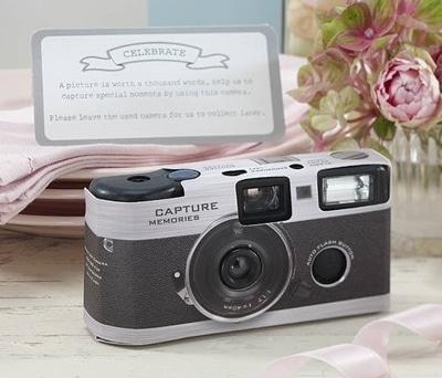 Cámara de fotos desechable para que tus invitados saquen las mejores instantáneas de tu boda