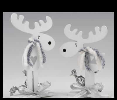 Figuras madera renos con croki-chocs para detalles de invitados