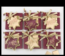 Napolitanas con colgante madera estrella para detalles de invitados