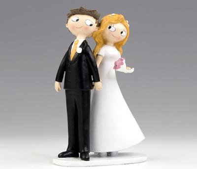 FIGURA DE NOVIOS AGARRADOS DE LA MANO para la tarta nupcial o como regalo para los siguiente en casarse