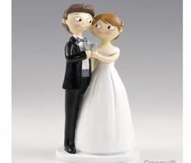 FIGURA DE NOVIOS BRINDANDO Y AGARRADOS para la tarta nupcial o como regalo para los siguiente en casarse