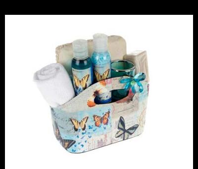 Capazo set baño con gel de baño, sal de baño, toalla tocador, esponja bamboo lazo, jabón 100 grs, vasito flor cristal con vela