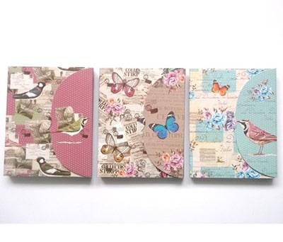 Bloc de notas con bolígrafo con motivos florales y mariposas como detalle para las mujeres