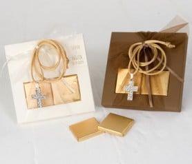 Colgante strass en caja con napolitanas de chocolate ideal como detalle para las invitadas de bodas y eventos