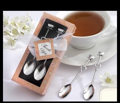 Cucharas plateadas con detalles de corazones como detalle de boda, comunion, bautizo o cualquier evento para los invitados