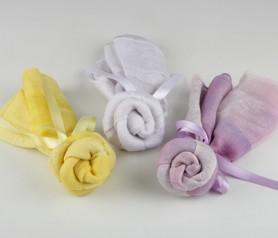 Foulard en flor con lazo para regalar a las invitadas de tu boda o evento