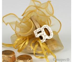 PINZA MADERA 50 ANIVERSARIO CON TORINOS como detalle en bodas de oro para los invitados