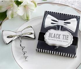 Abrebotellas en forma de pajarita como detalle para hombres en bodas y eventos