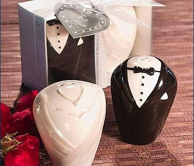 Salero y pimentero novios como detalle de boda para los invitados
