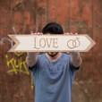 flecha de madera love personalizable para decorar tu boda y evento