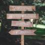flechas indicativas de madera para bodas y eventos con mastil y pie