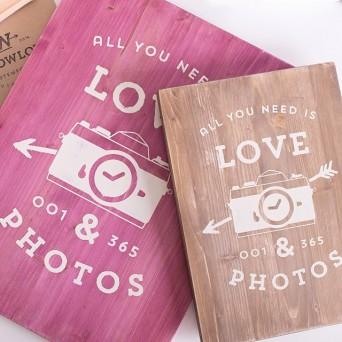 x tablet de madera medida 34x47 cm en color rosa con mensajes personalizados para tu boda o evento