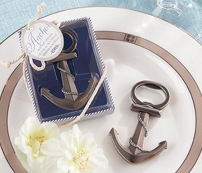 Abrebotellas en forma de ancla como detalle para los hombres de la boda