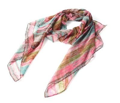 Original pañuelo en colores fucsias como detalle de boda para las mujeres invitadas