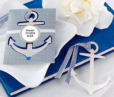 Punto de libro en forma de ancla ideal como detalle de comunión para los niños de la comunión con tendencia marinera