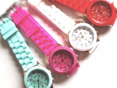 Relojes de silicona en diferentes colores ideal como detalle para las mujeres y niños invitados