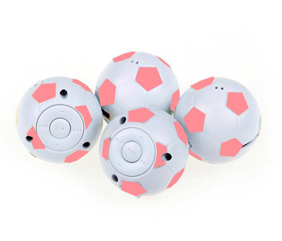 Reproductor MP3 en forma de balón de fútbol como detalle para invitados de comunión o boda