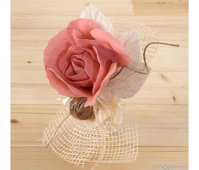 FLOR DE LINO ROSA CON BOMBONES como detalle para las invitadas de tu boda