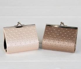 Monedero metalizado como detalle para las mujeres de tu boda