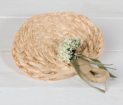 Paipay hoja de palma adornado como complemento de boda