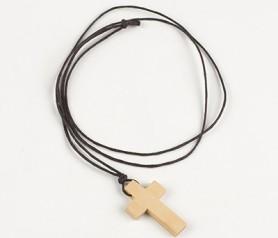 Colgante cruz de madera como recuerdo para invitados de primera comunión
