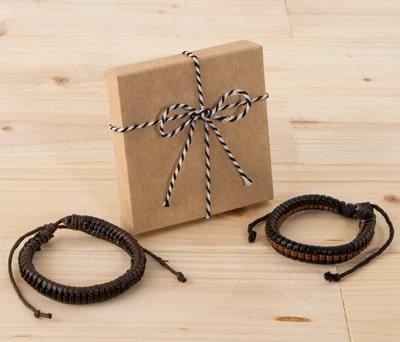 Pulsera trenzada en caja de regalo para hombre