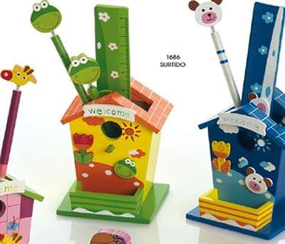 Set casita de madera animalitos con regla, boli, lapicero ideal como regalos para cumpleaños infantiles o como detalle de comunión o bautizo para los pequeños de la casa