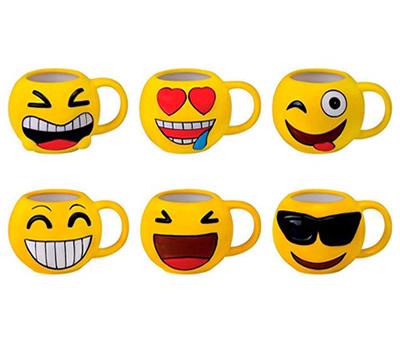 Tazas emoticonos servidas en diferentes modelos como obsequi para los niños invitados de comuniones o cumpleaños