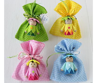 Bolsita surtida bichitos de madera con 4 caramelos como detalle para invitados en fiestas infantiles, bautizo o comunión