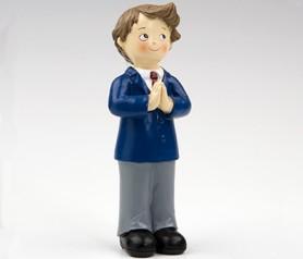 Figura pastel niño comunión con corbata granate para detalles de comunión
