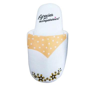 Zapatillas de algodón novia con frase de agradecimiento para las invitadas de la boda