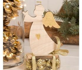 Figura madera ángel con detalles dorados y bombones para regalar por navidad