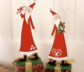 Papá Noel con bombones como regalo navideño o decoración