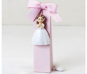 Imán comulgante niña con caja y peladillas como detalle de comunión