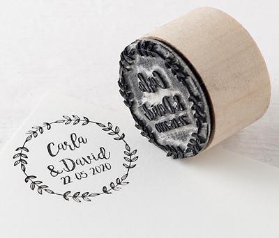 Sello personalizado redondo Corona de olivo para personalizar los obsequios a los invitados