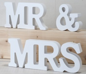 Set madera MR & MRS PARA DECORAR TU BODA