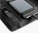 Portafolios A5 con batería portátil integrada, bloc de notas removible, gomas y soporte para el móvil. Ideal como artículo promocional. Vista en detalle
